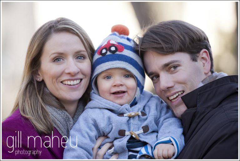 jeune garcon et ses parents, séance photo en famille à Lausanne par Gill Maheu Photography