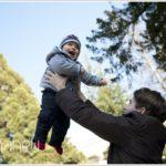 jeune garcon et son papa, séance photo en famille à Lausanne par Gill Maheu Photography