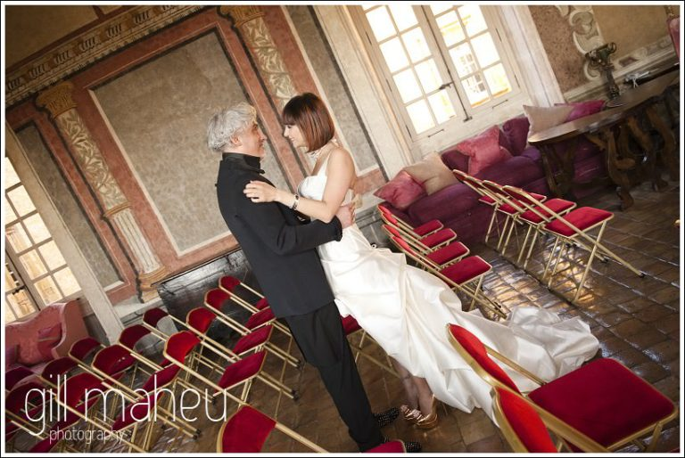 first kiss at wedding ceremony at Chateau de Bagnols wedding by Gill Maheu Photography, photographe de mariage