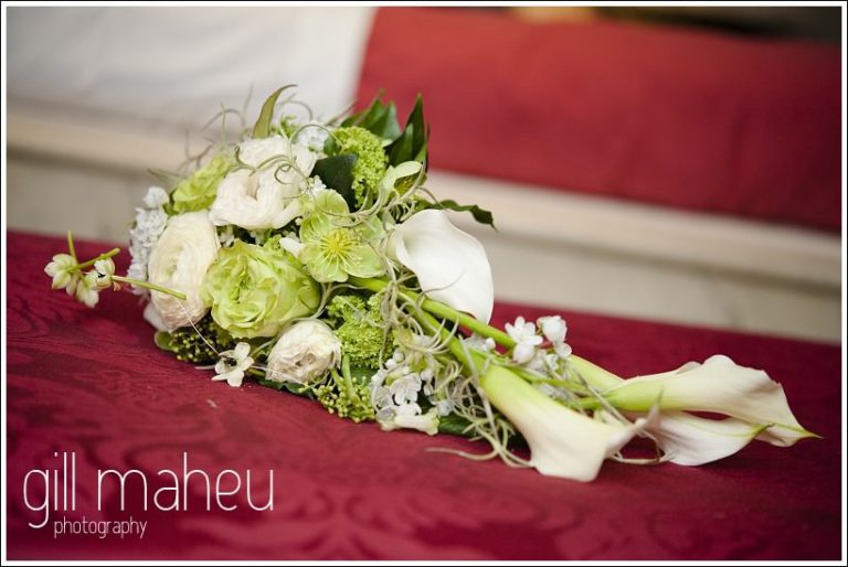 white and green wedding bouquet details at Chateau de Bagnols wedding by Gill Maheu Photography, photographe de mariage