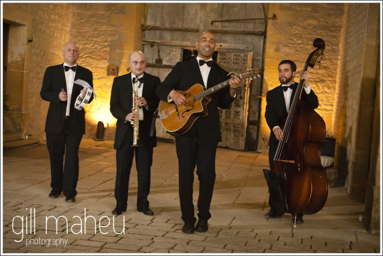 fabulous Jean Pierre Verdolini Jazz band at Chateau de Bagnols wedding by Gill Maheu Photography, photographe de mariage