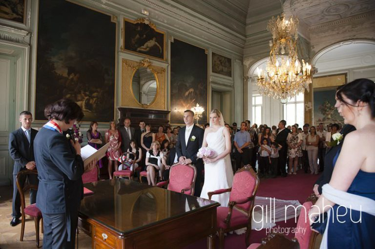 wide angle civil wedding ceremony at Chateau Parc du Buisson Rond, Chambery, Hotel Saint Pères wedding by Gill Maheu Photography, photographe de mariage