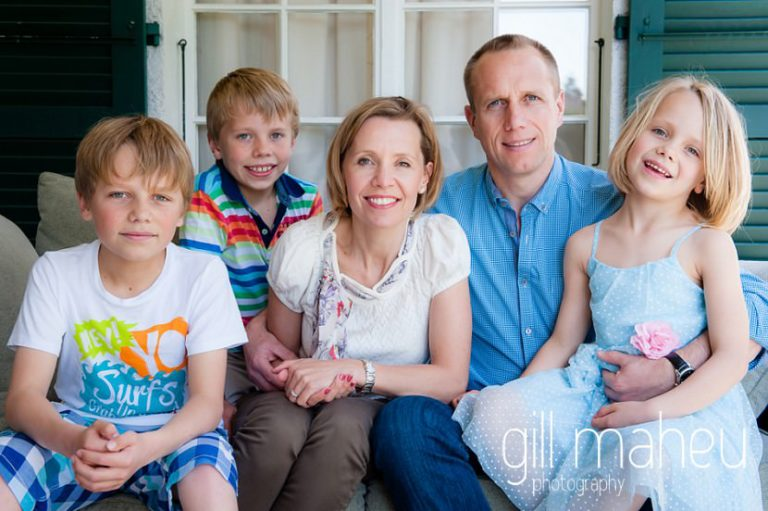 portrait of family of five at home in Geneva Geneve by Lifestyle photographer Gill Maheu Photography, photographe de famille