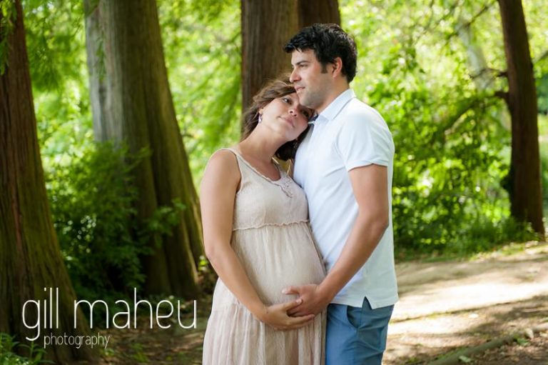future parents in the woodland at maternity session in Parc de la Tete D'or in Lyon, by Gill Maheu Photography, photographe de Grossesse et lifestyle