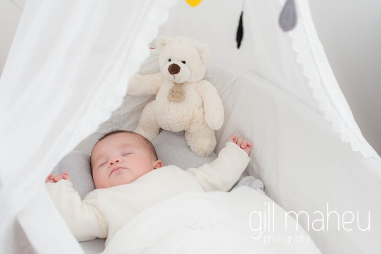 baby asleep in beautiful white cot in new baby new family portrait session in Aix les Bains by Gill Maheu Photography, photographe de bébé et famille
