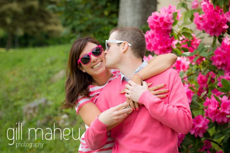 wedding couple with their customised sunglasses on Golf du Lac d'Annecy, Talloires engagement session by Gill Maheu Photography, photographe de mariage