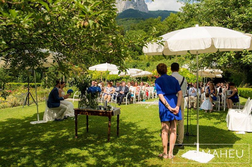 gorgeous-speedboat-wedding-abbaye-talloires--gill-maheu-photography-2015_0104