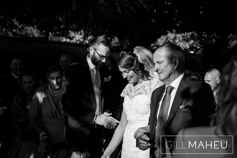 beautiful-autumn-wedding-abbaye-talloires-october-gill-maheu-photography-2015__0079