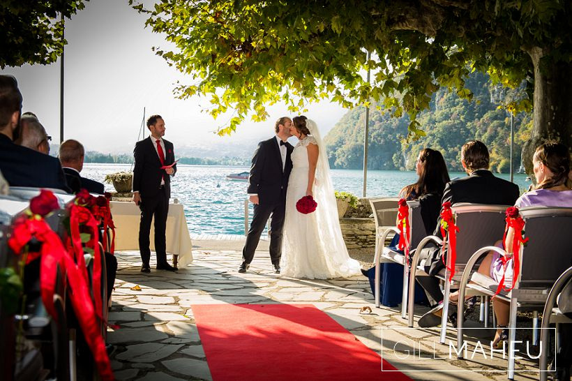 beautiful-autumn-wedding-abbaye-talloires-october-gill-maheu-photography-2015__0084
