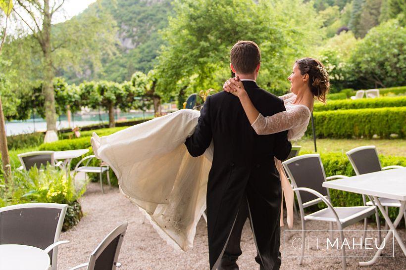 stylish-abbaye-talloires-wedding-mariage-gill-maheu-photography-2016__0166