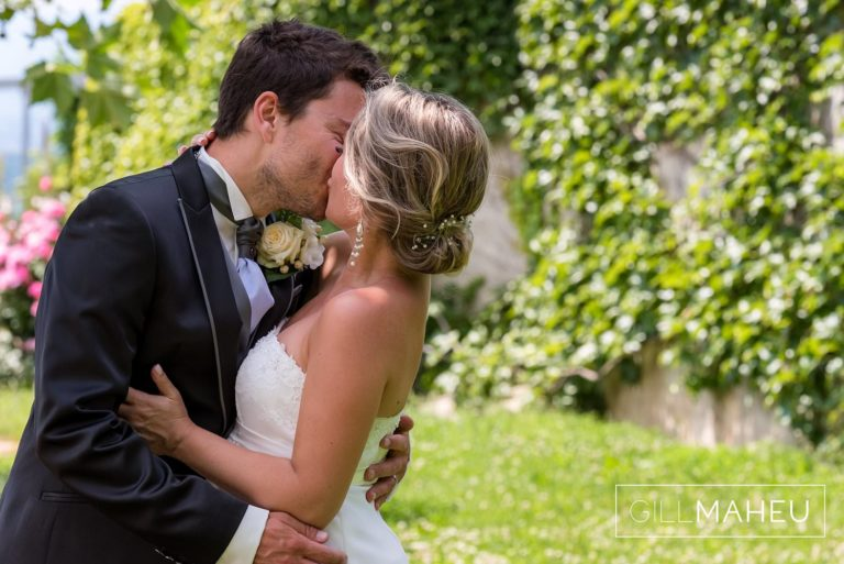 portrait of bride and groom kissing at Lutry, Lausanne wedding by Gill Maheu Photography, photographe de mariage