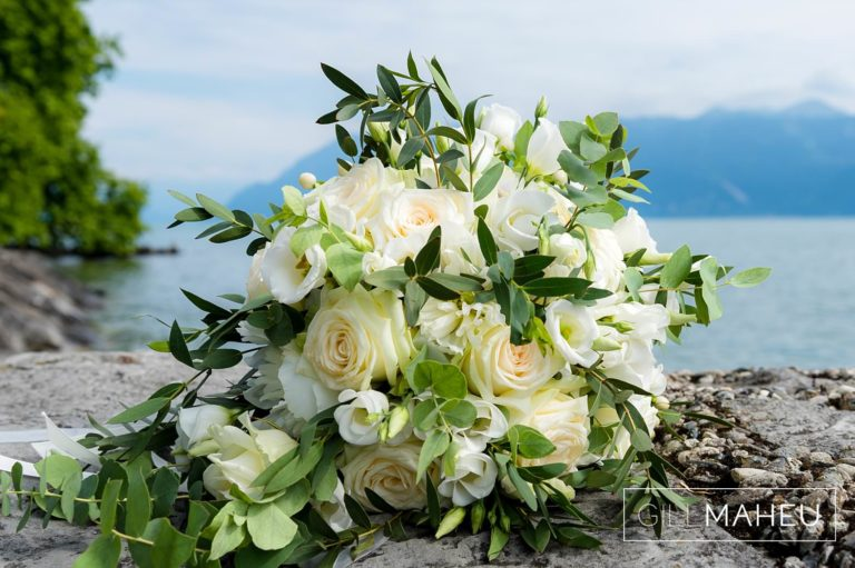 deatils of white rose wedding bouquet at Lutry, Lausanne wedding by Gill Maheu Photography, photographe de mariage