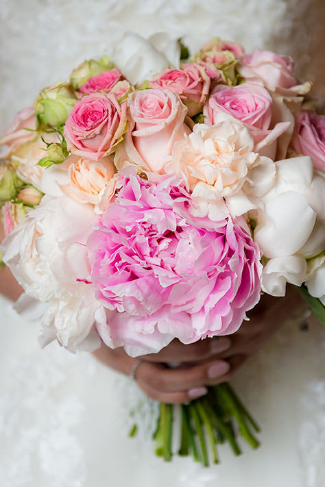wedding bouquet by Gill Maheu Photography, photographe de mariage