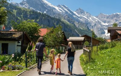 family lifestyle session in beautiful Gimmelwald, Swiss Alps – T&A